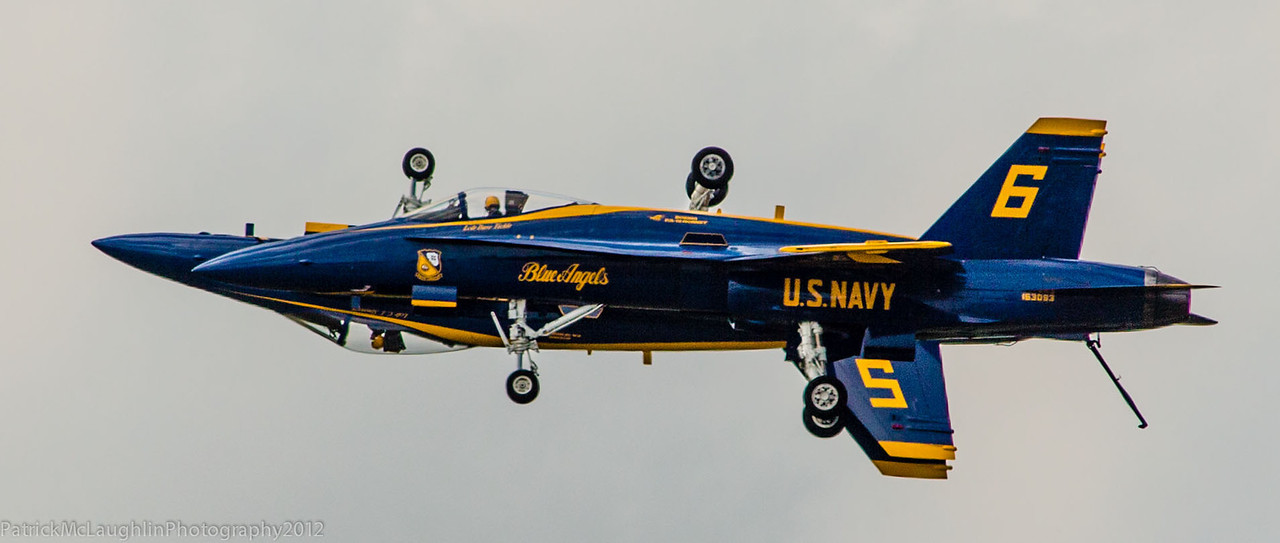 BLUE ANGELS - NAVY SEALS MANEUVERS, SHIPS & BOATS - AIRSHOWS